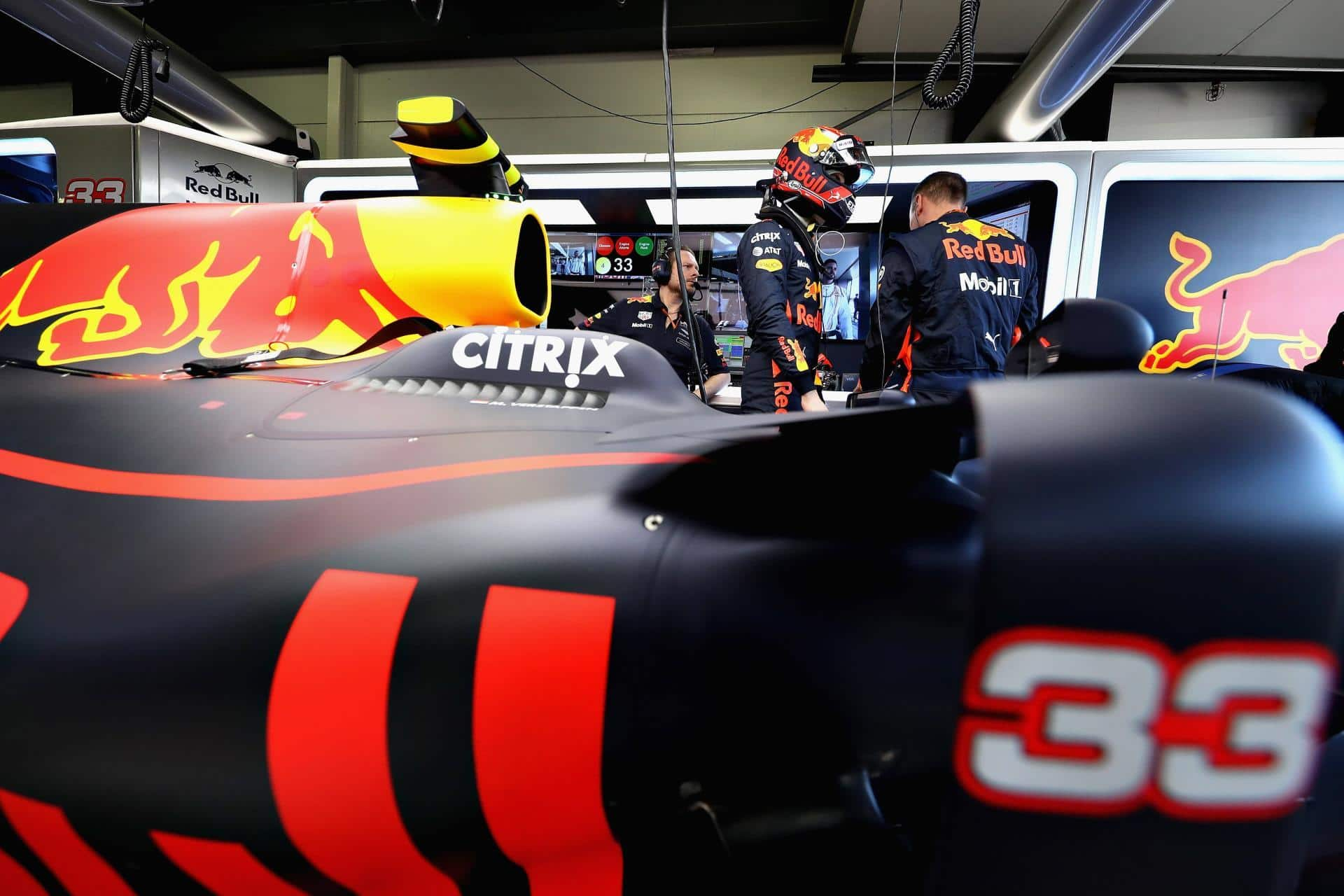 Red Bull RB13 five kilograms overweight, upgrades for China