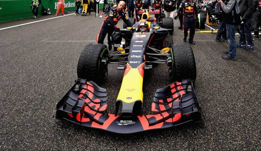 Verstappen RB13 CHinese GP F1 2017 grid foto Red Bull