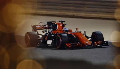 alonso mclaren honda bahrain f1 2017 night foto mclaren