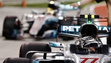 bottas leads hamilton bahrain gp f1 2017 foto pirelli