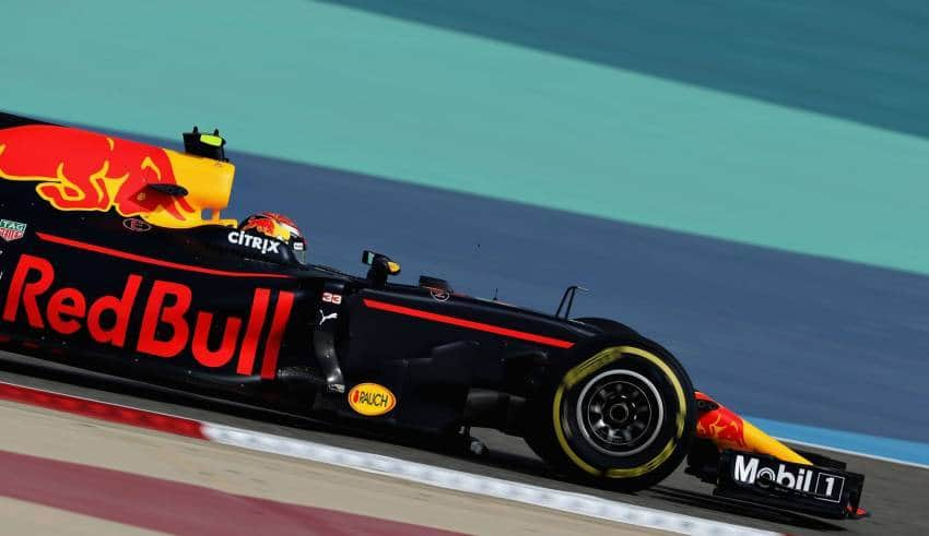 verstappen red bull rb13 bahrain f1 2017 foto red bull