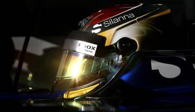 wehrlein-sauber-f1-2017-helmet-in-the-car-Foto-Sauber