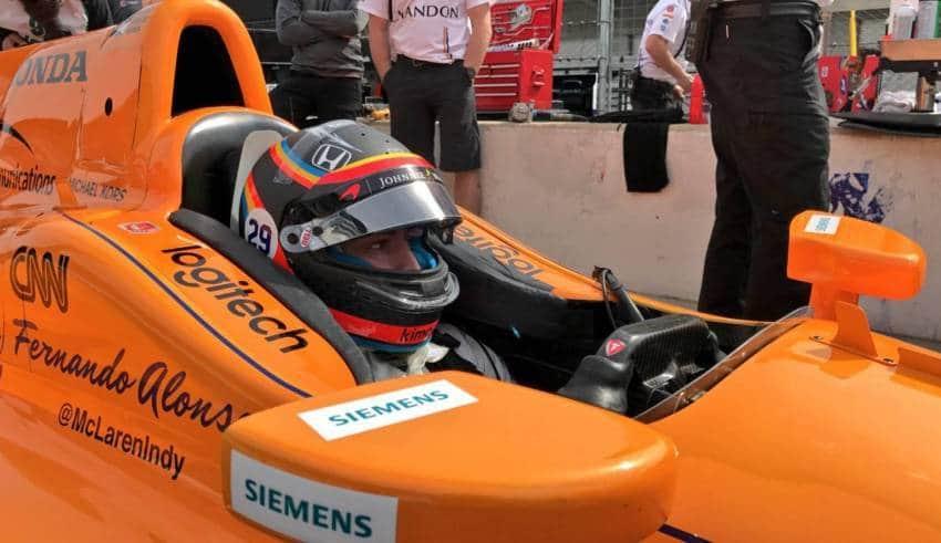 Alonso IndyCar practice day FOto IndyCar