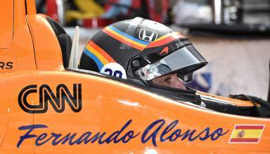Alonso IndyCar test 2017 helmet close in car
