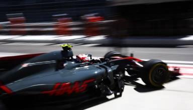 Magnussen Haas Sochi F1 2017 garage FOto Haas