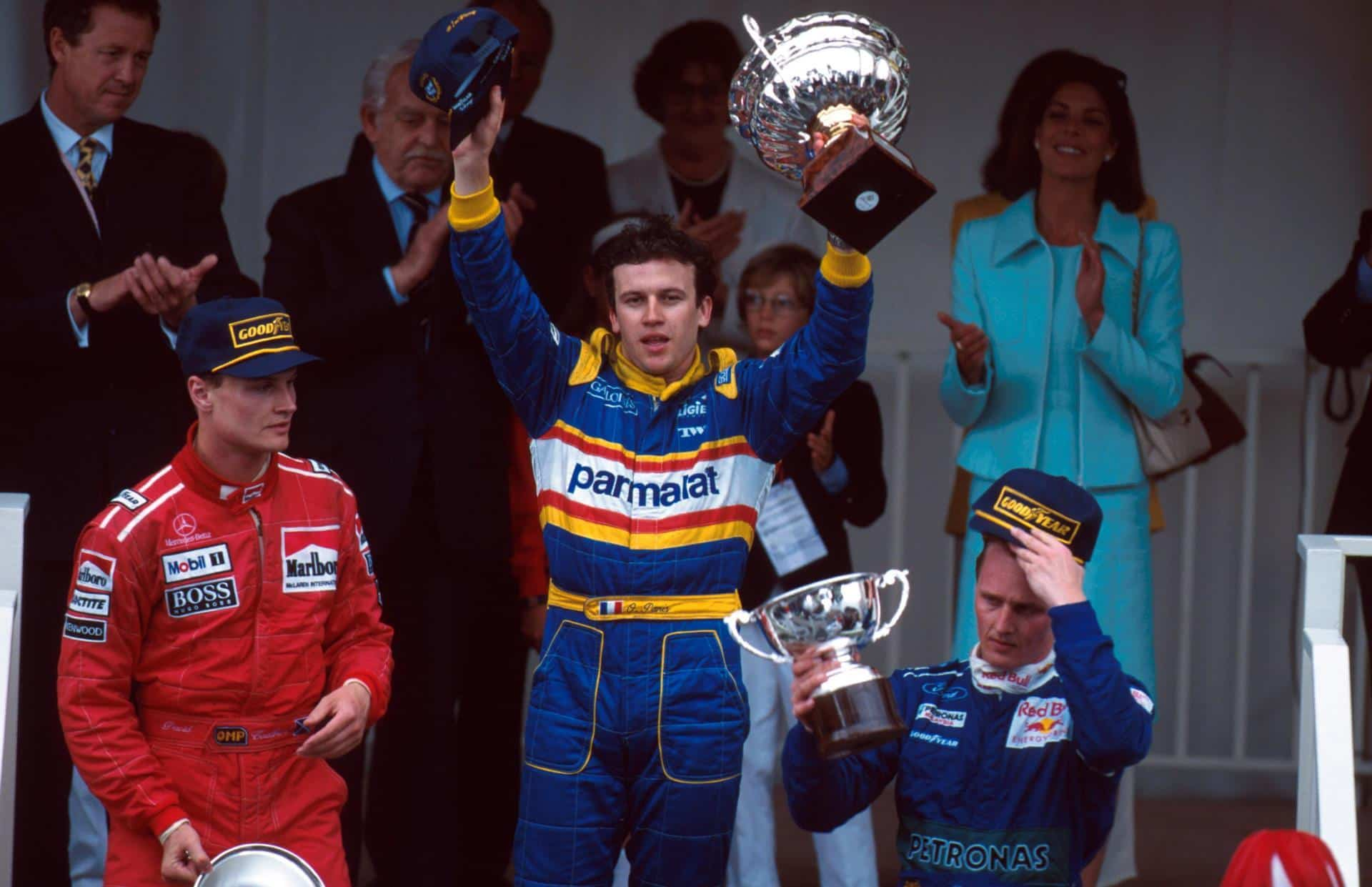 Monaco-1996-podium-F1-Panis-Couhtard-Her