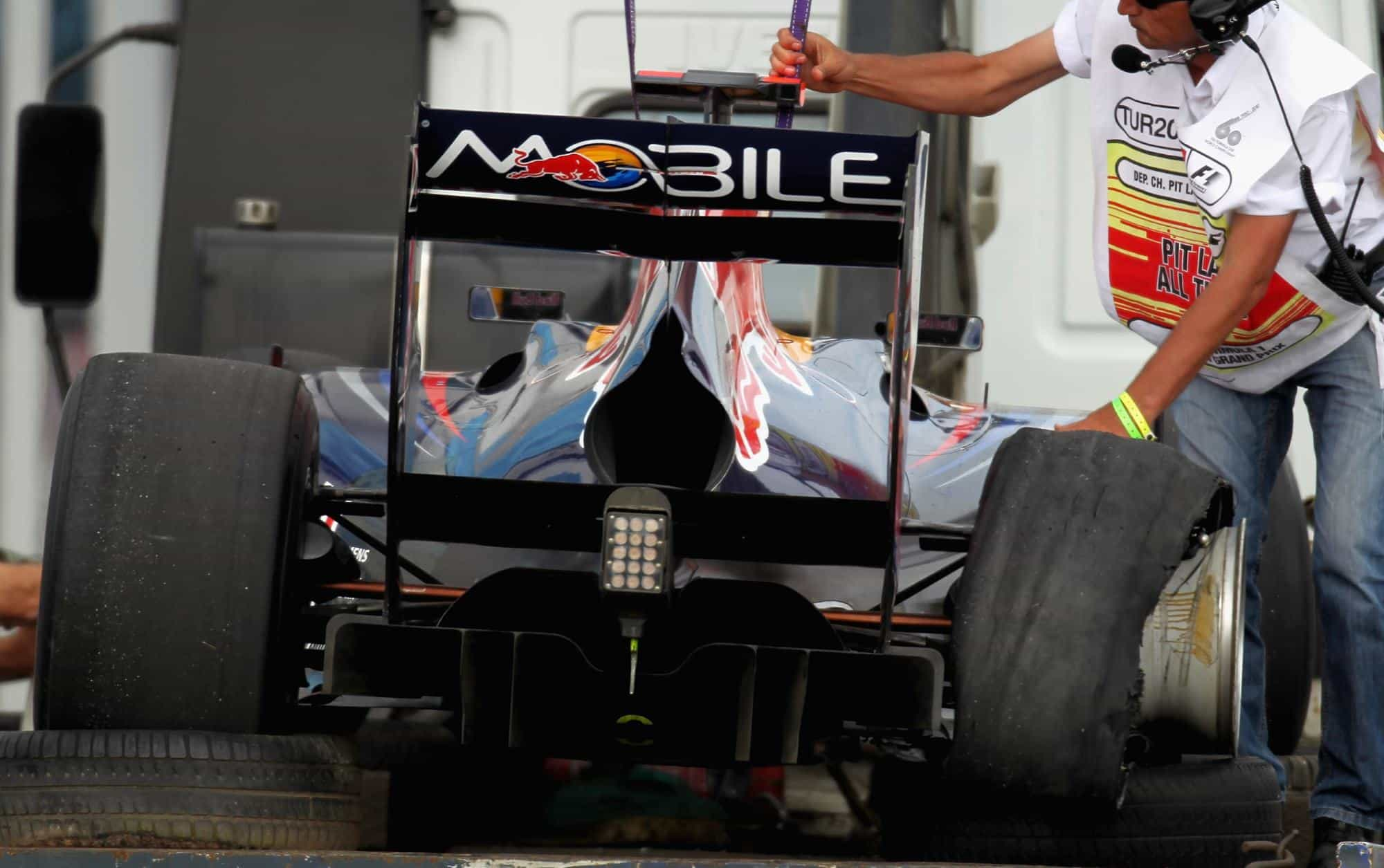 Turkish GP F1 2010 Vettel Red Bull RB10 rear end double diffuser crash Photo Red Bull