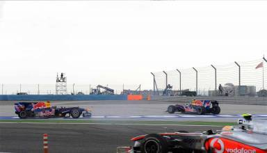 Vettel Webber Turkey F1 2010 Hamilton passes Foto Stephen English