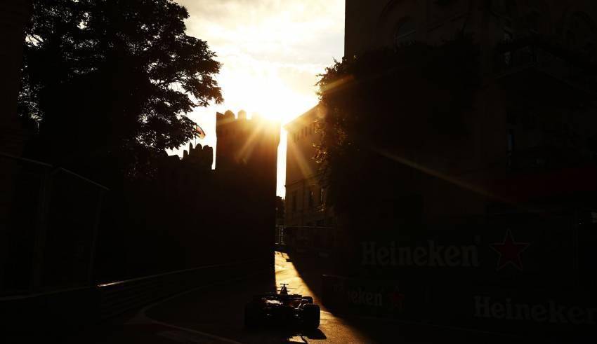 Azerbaijan GP F1 2017 dusk