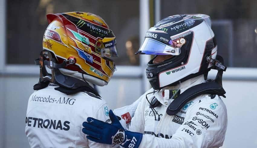 Hamilton Bottas Mercedes Baku F1 2017 post qualiy parc ferme hug Photo Daimler