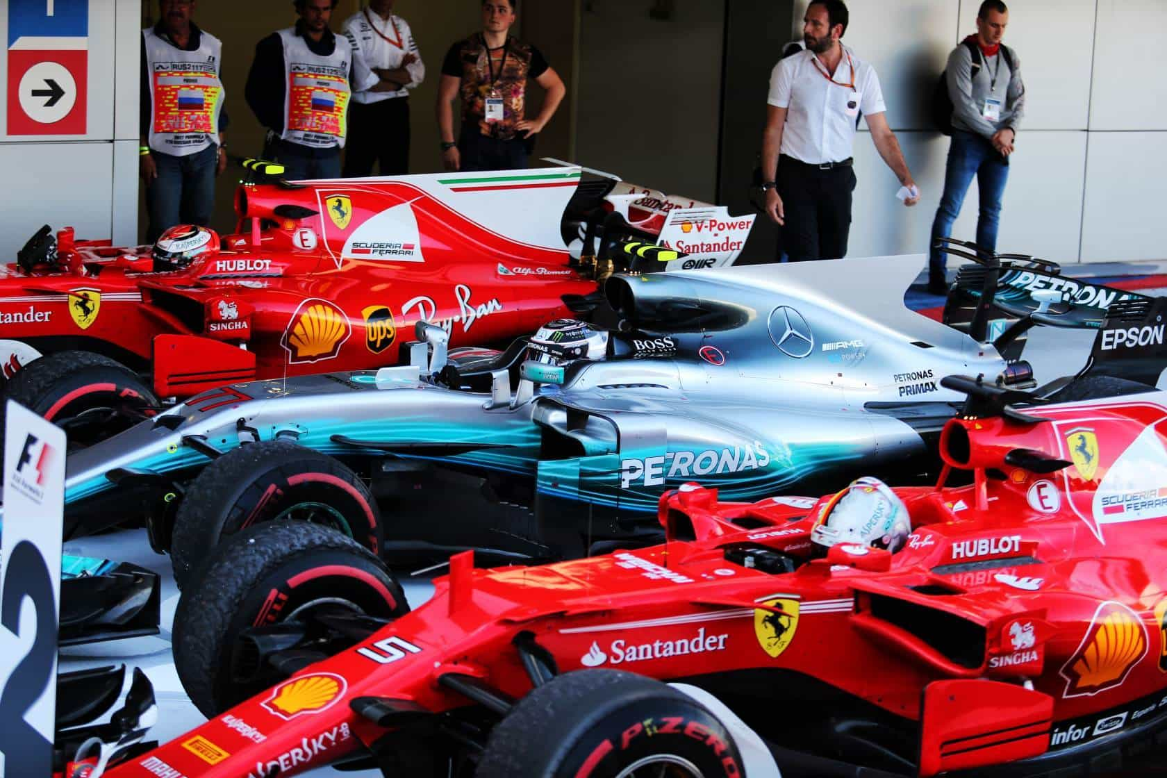 Bottas Mercedes Ferrari drivers Photo F1-com
