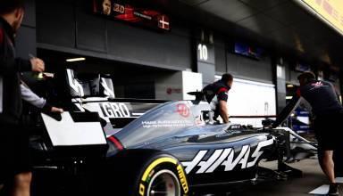Haas F1 2017 SIlverstone garage Photo Haas