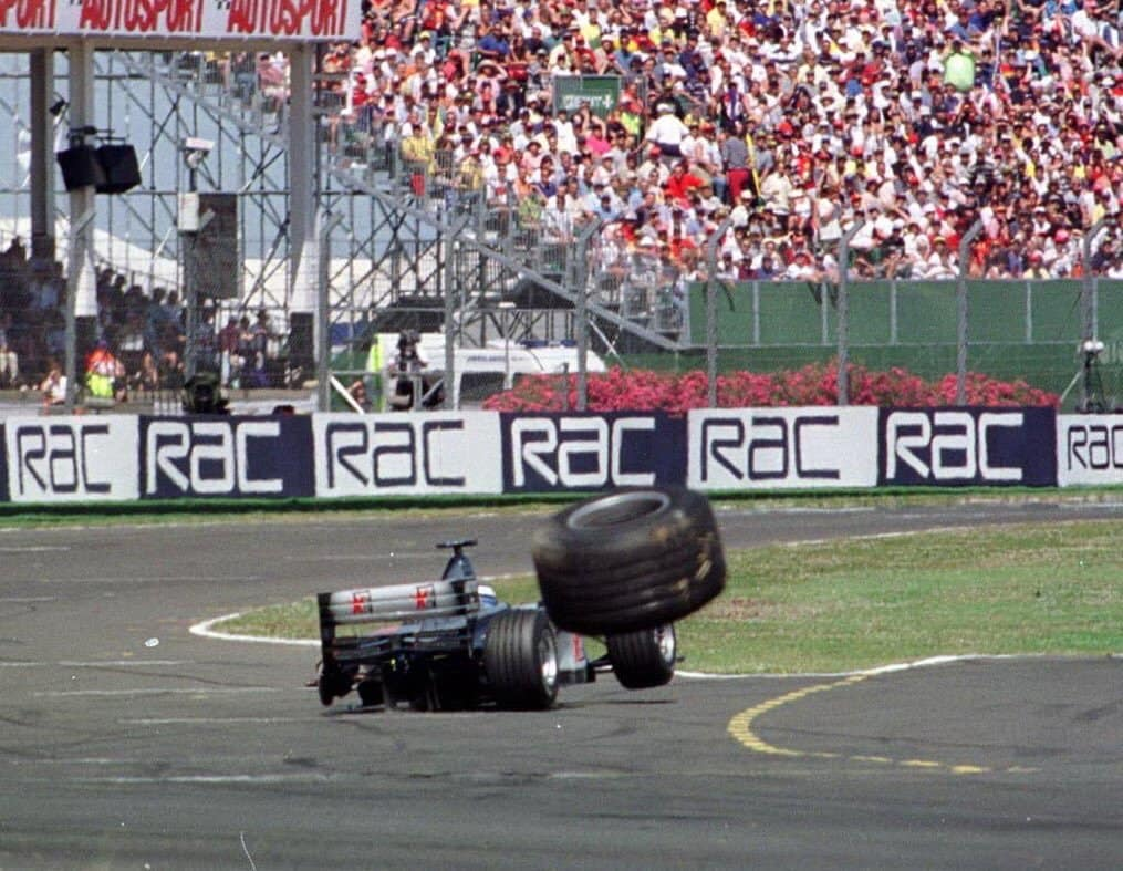 Hakkinen tyre failure British GP F1 1999 Photo Twitter