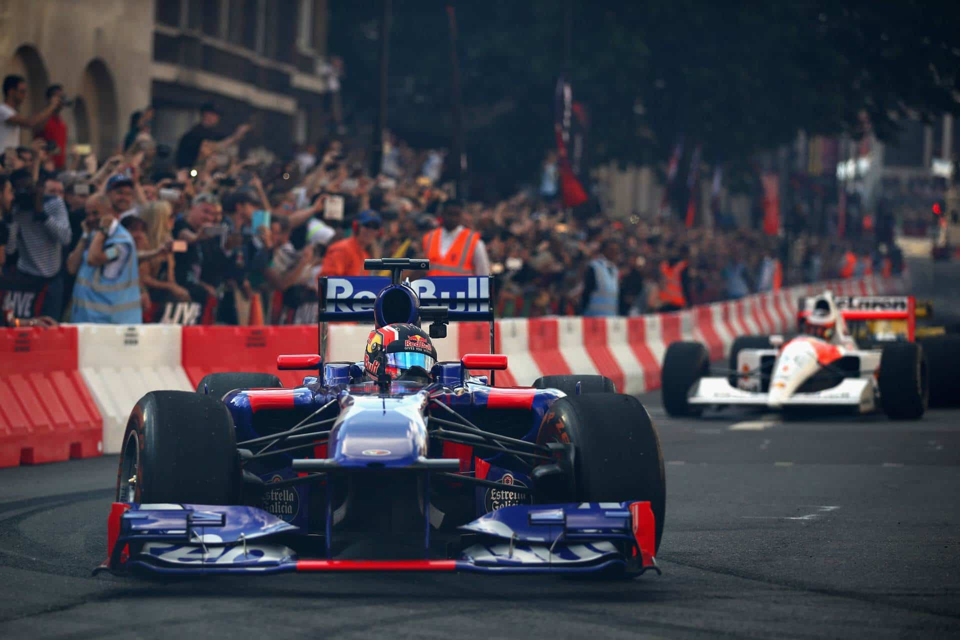 Red Bull RB7 in Toro Rosso 2017 paint London F1 show 2017 Photo Red Bull