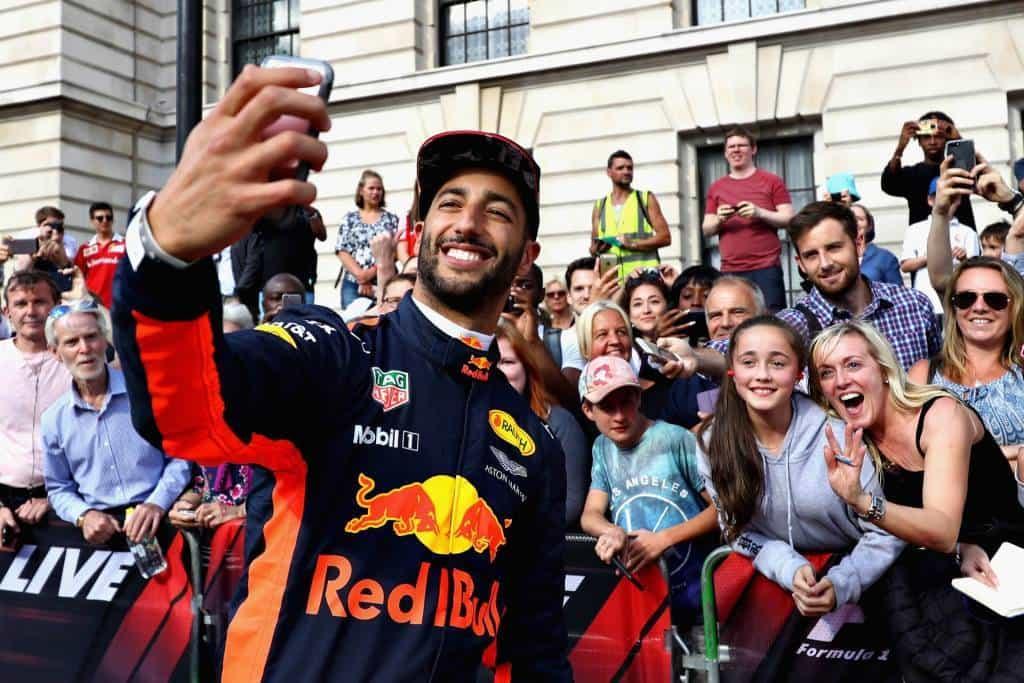 Ricciardo London F1 show 2017 Photo Red Bull