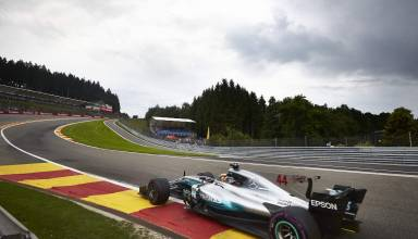 Hamilton Mercedes Belgian GP F1 2017 Eau Rouge Photo Daimler