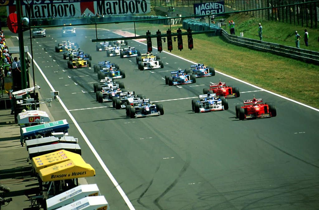 Hungarian GP F1 1997 start Photo F1history