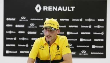 Kubica Renault press conference post Hungary F1 test day 2 Photo Renault