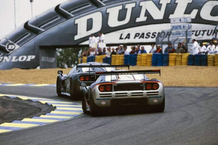 mclaren f1 gtr 1995 24h le mans rear race silver black photo mclaren