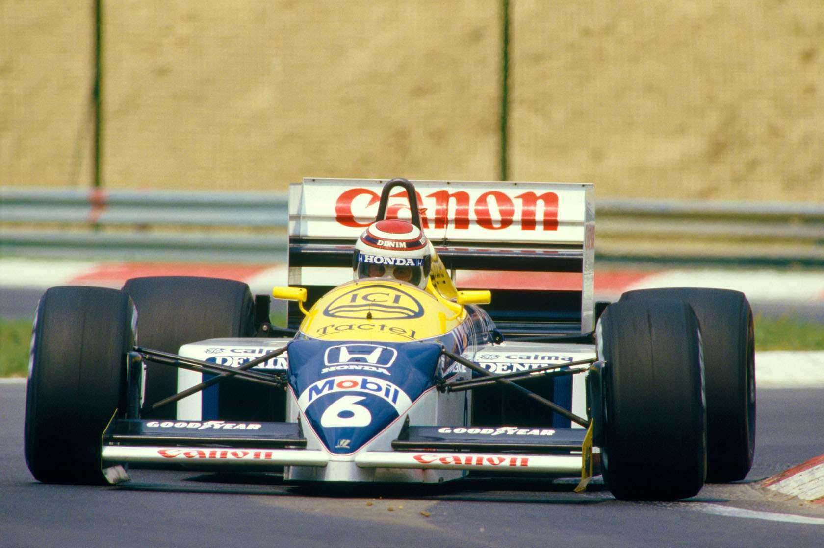 Nelson Piquet Williams Honda FW11 Hungarian GP F1 1986 Photo Williams