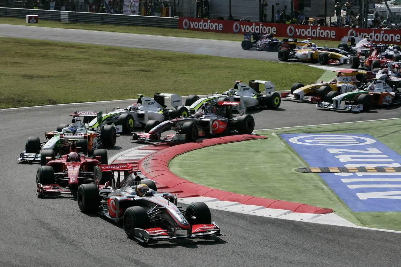 Italian GP F1 2009 start Monza Photo McLaren