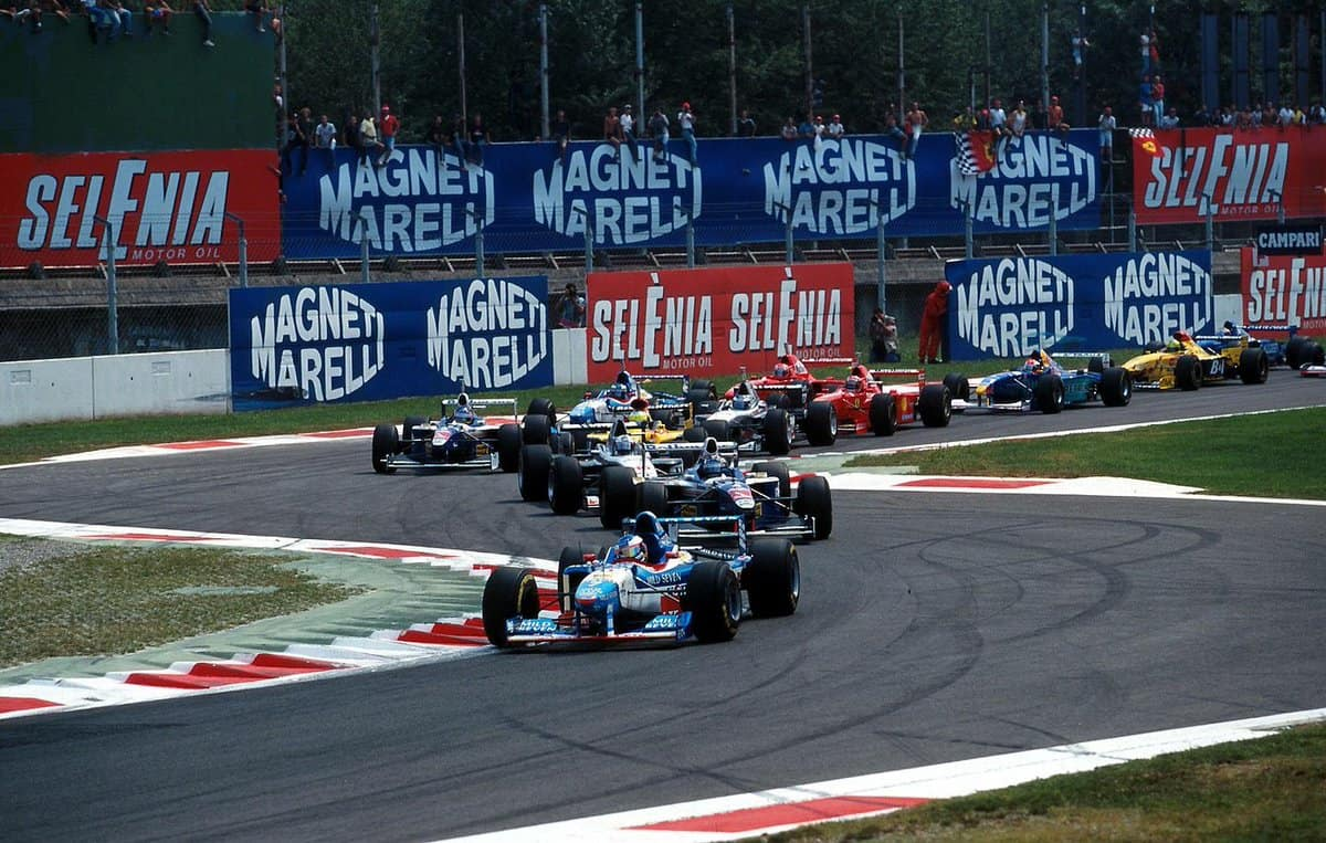 Start of the Italian GP F1 1997 chicane first lap Photo twitter
