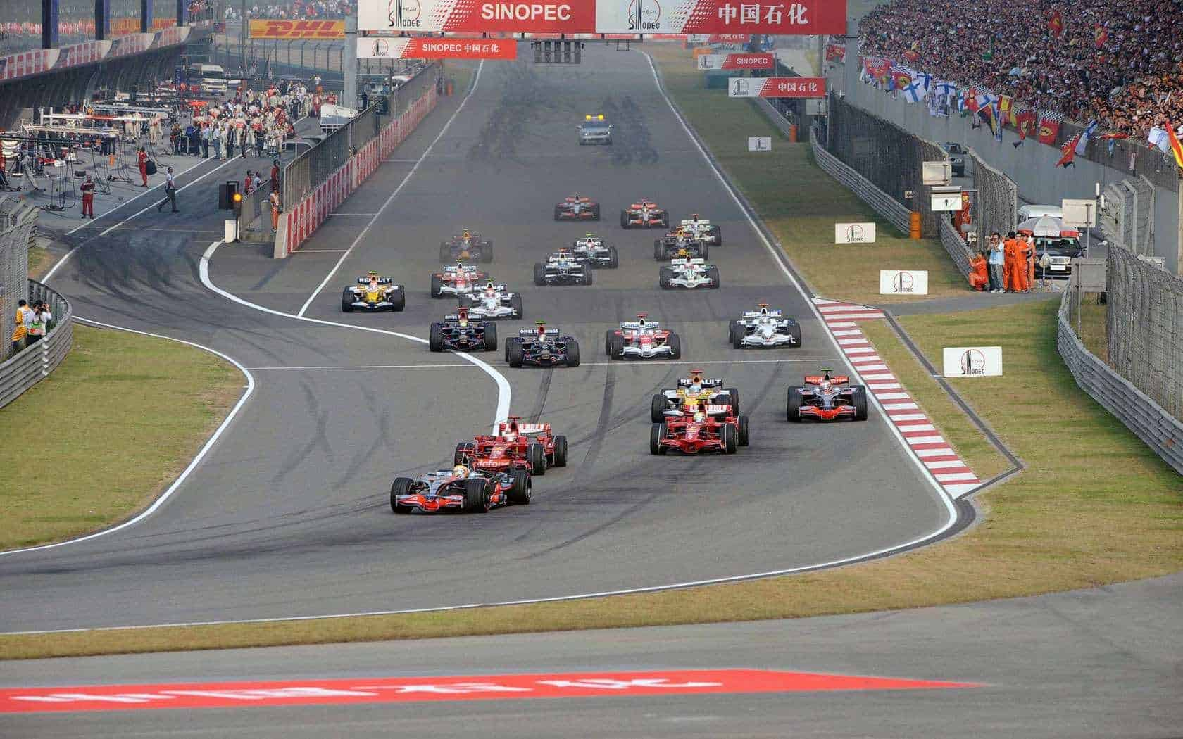CHinese GP F1 2008 start Photo F1fansite