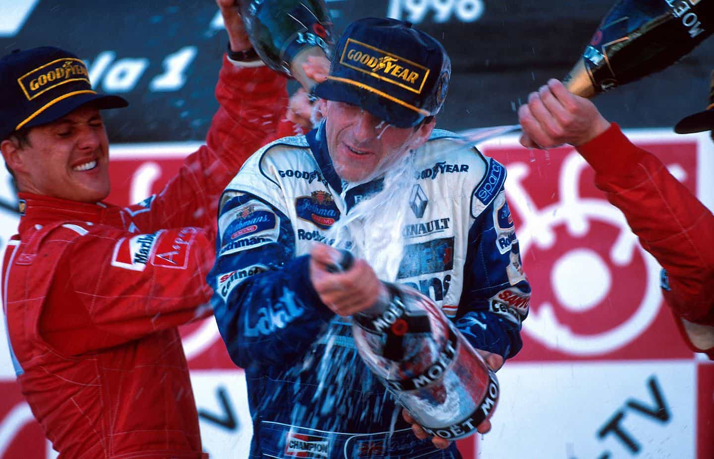 Hill-Japanese-GP-1996-Suzuka-podium-cham