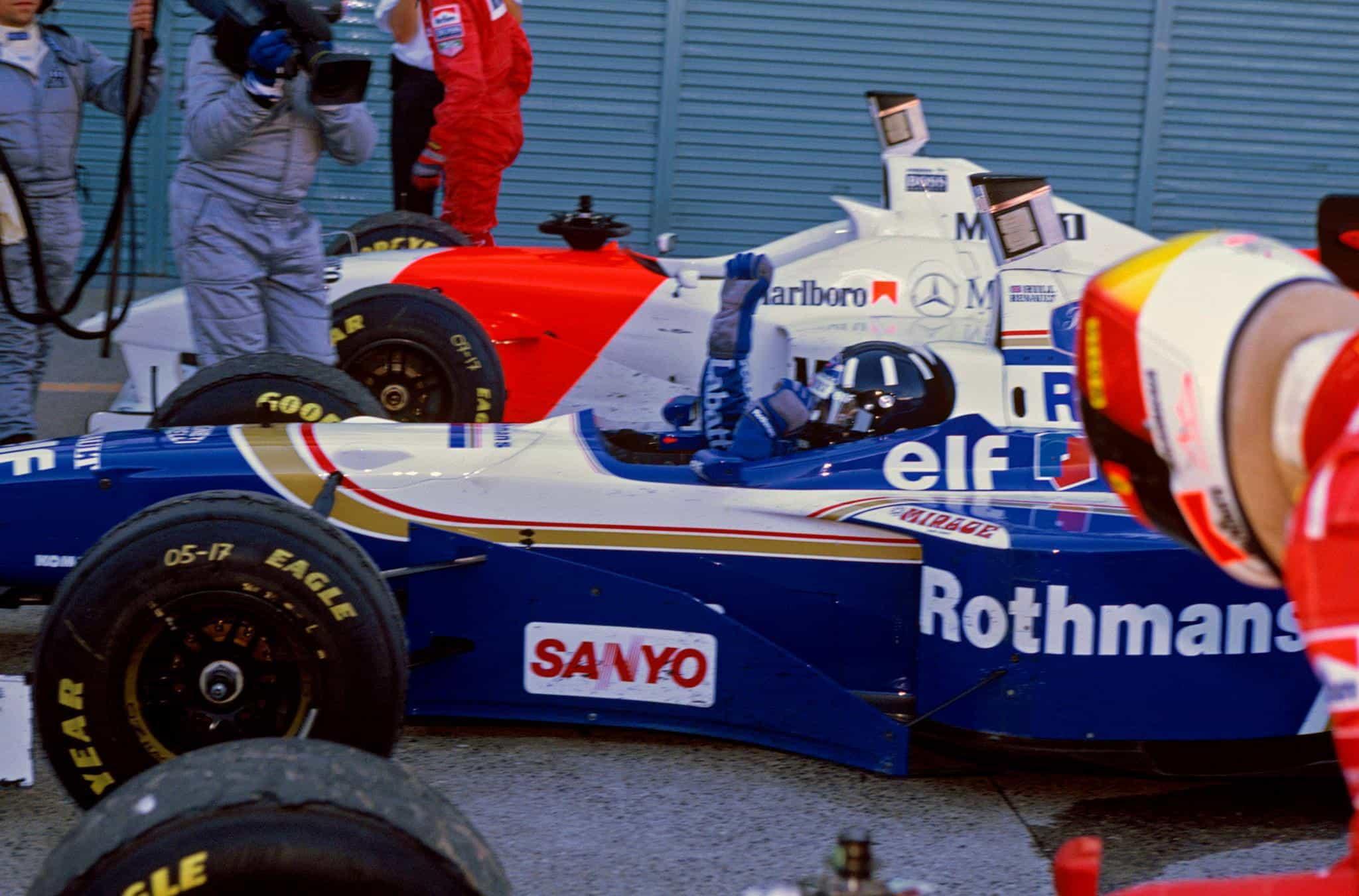Hill Japanese GP 1996 Suzuka post race Photo Williams