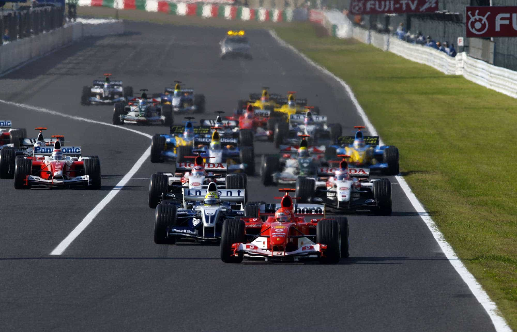 Japanese-GP-F1-2004-start-Photo-Ferrari