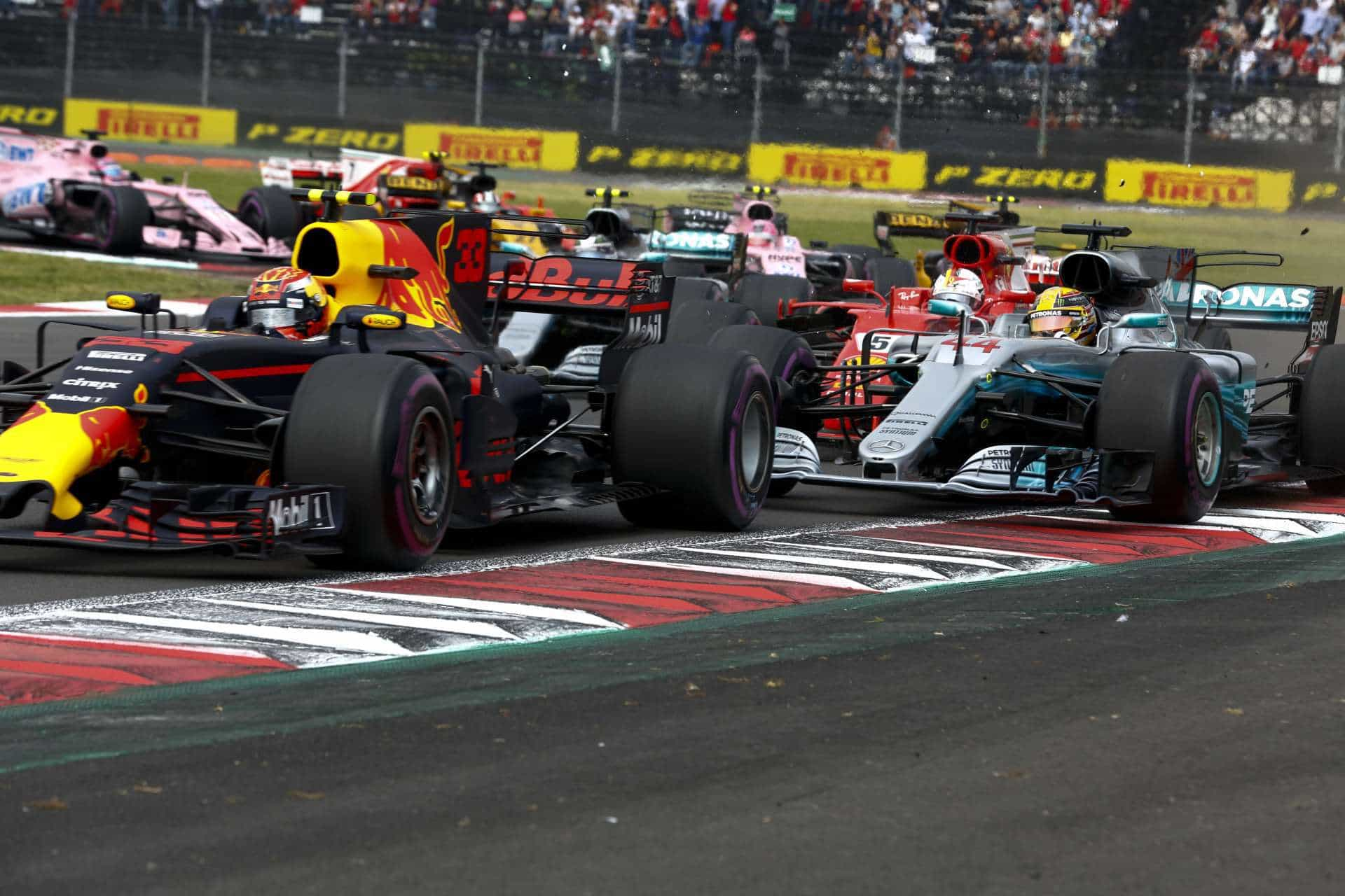 Verstappen leads Hamilton and Vettel Mexican GP F1 2017 start Photo Daimler