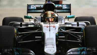 Hamilton Abu Dhabi F1 2017 pitlane Photo Daimler