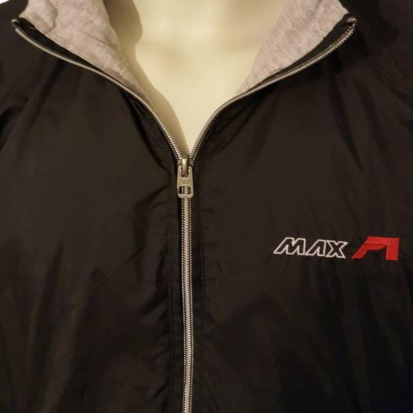 MAXF1 sportska jakna zoom