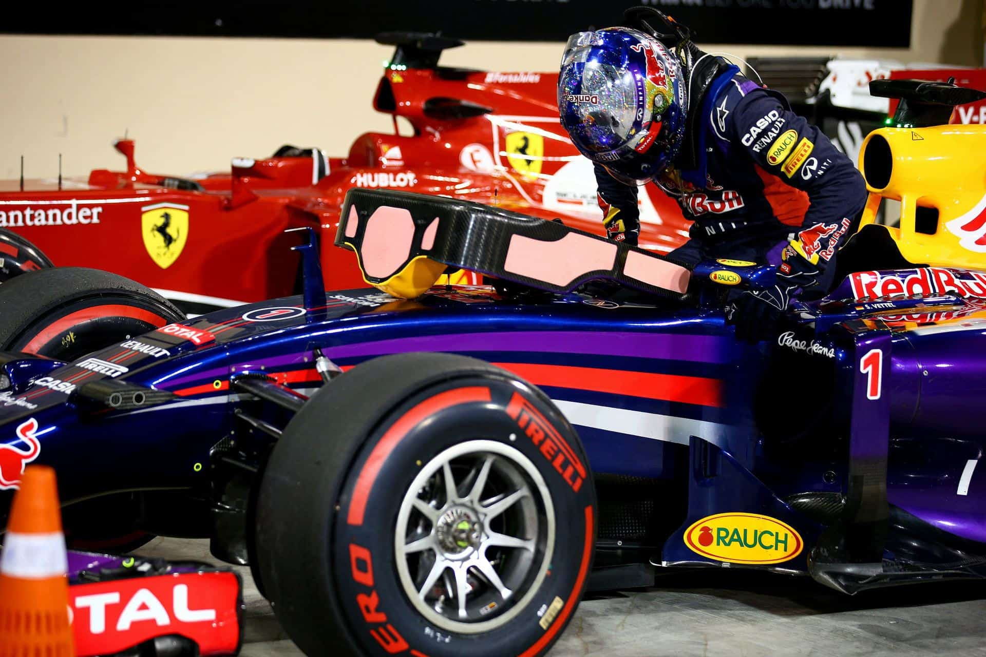 Vettel Alonso Abu Dhabi F1 2014 Parc ferme Photo Red Bull