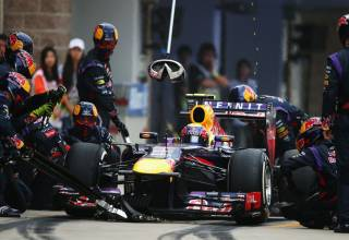Webber pitstop F1 2013 Korea Photo Red Bull