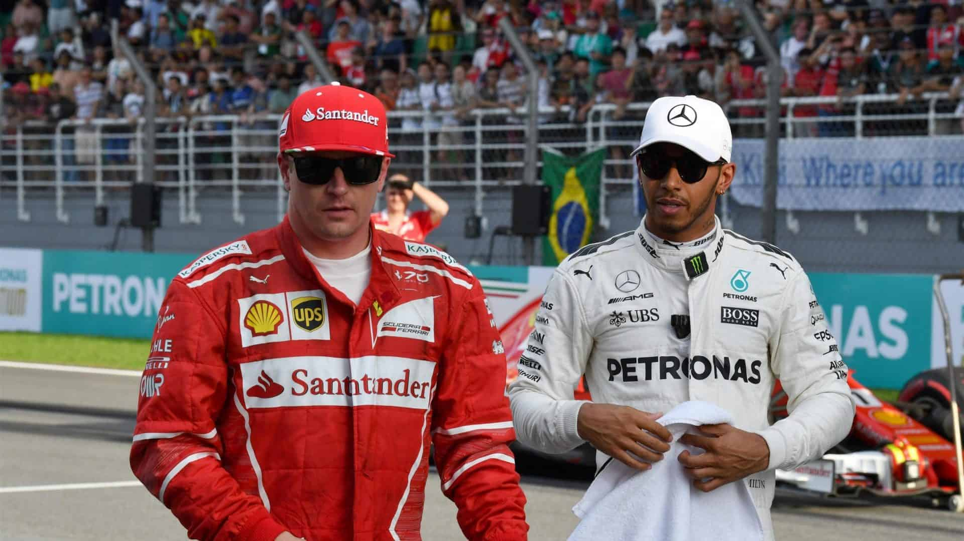 Hamilton Raikkonen F1 2017 on the grid