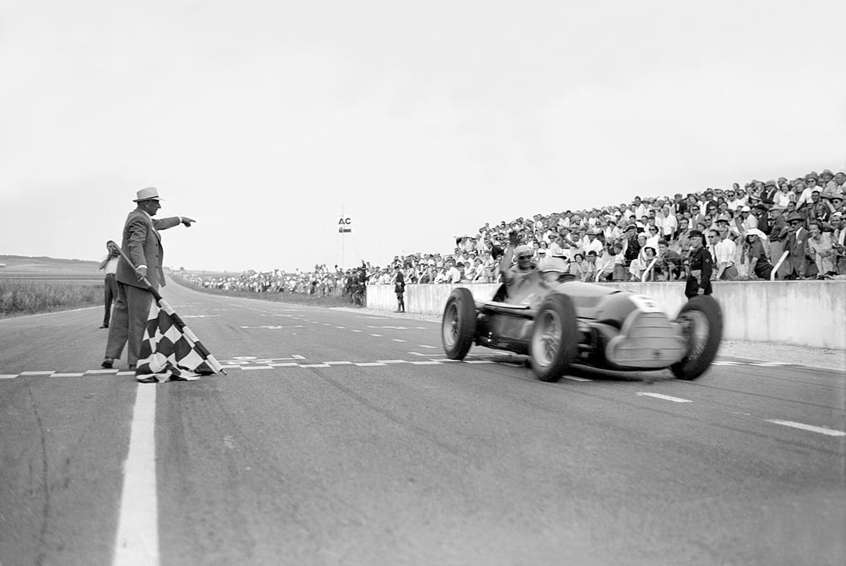 juan_manuel_fangio wins french gp 1950 - alfa_romeo_158__1950-by_f1_history