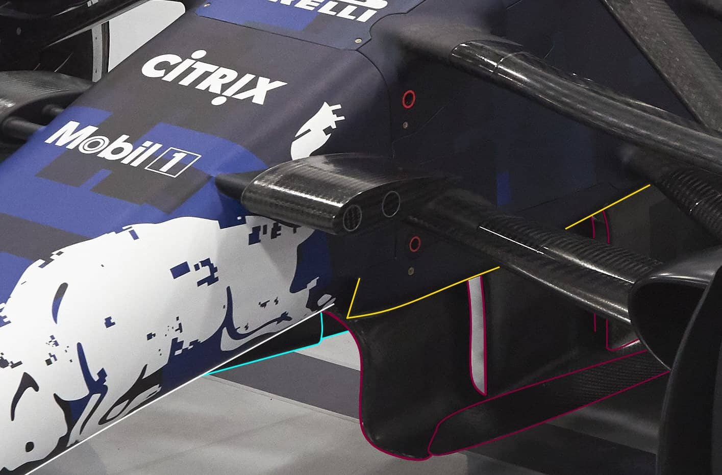 Aston Martin RB14 F1 2018 under chassis triple vanes