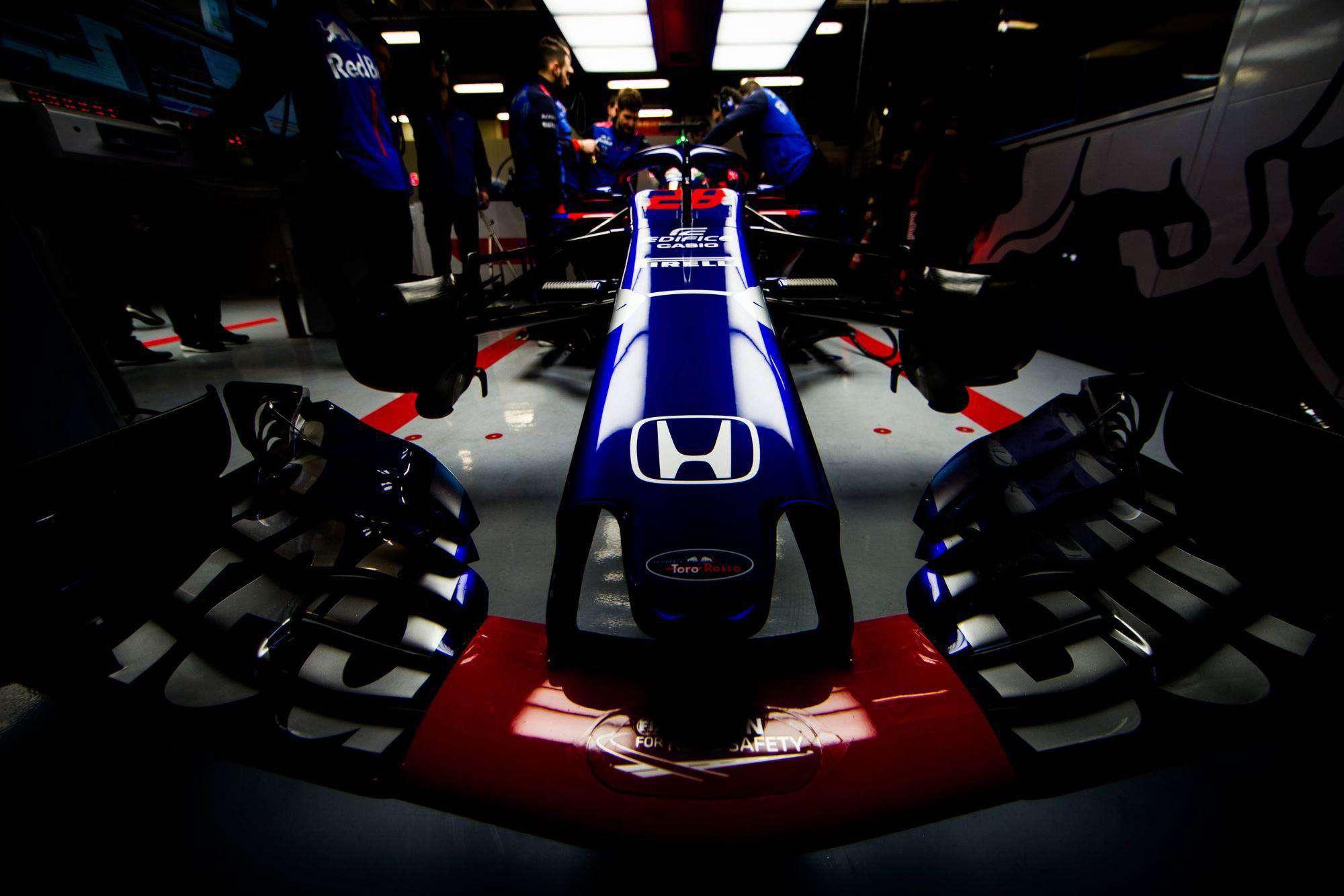 Toro Rosso STR13 Honda nose F1 2018 Barcelona test