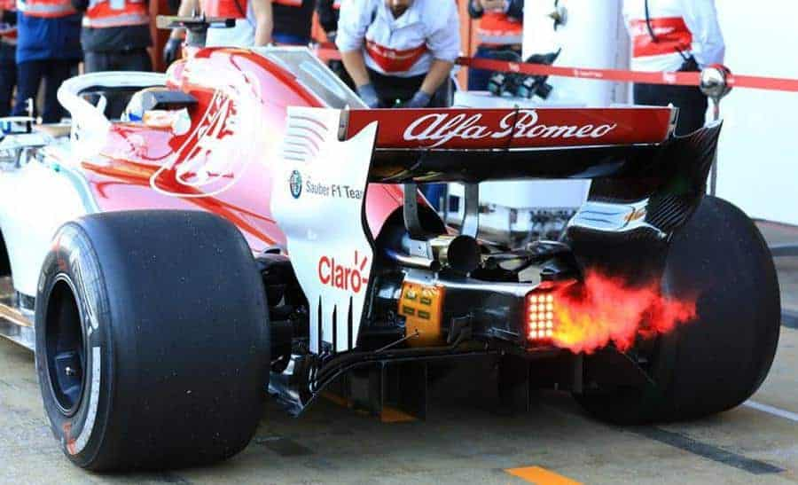 Secret of 2018 F1 Ferrari 062 EVO engine smoke