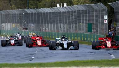 Australian GP F1 2018 first lap Raikkonen attacks Hamilton Photo Daimler