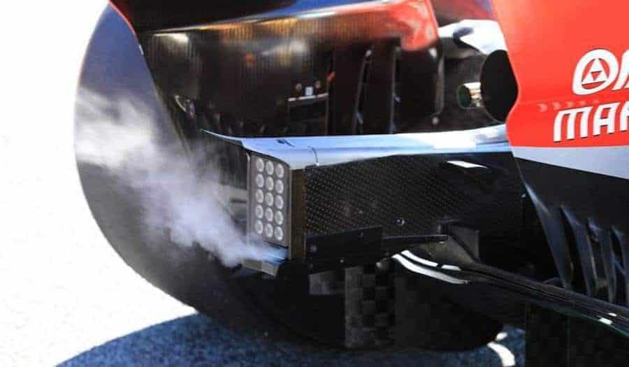 Ferrari SF71H F1 2018 smoke rear end crash structure Photo AMuS