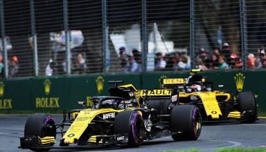 Nico Hulkenberg leads Carlos Sainz Australian GP F1 2018 Renault RS18 Photo Renault