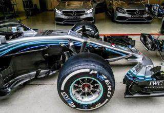 Bottas Mercedes F1 2018 W09 pitlane Chinese GP