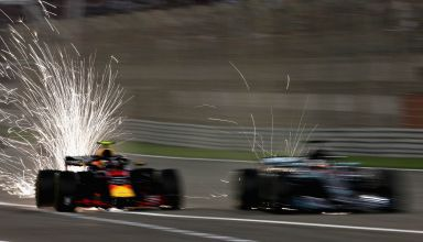 Hamilton Verstappen Bahrain GP F1 2018 Photo Red Bull