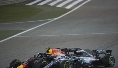 Hamilton Verstappen Bahrain GP F1 2018 clash incident Photo Daimler