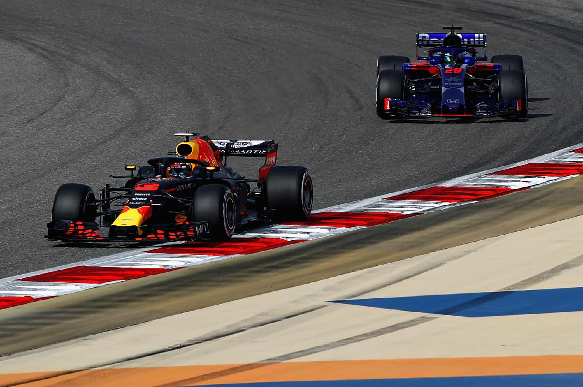Hartley Ricciardo Red Bull Toro Rosso F1 2018 Bahrain GP