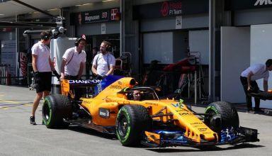 McLaren MCL33 Renault Azerbaijan GP F1 2018 pitlane low downforce rear wing