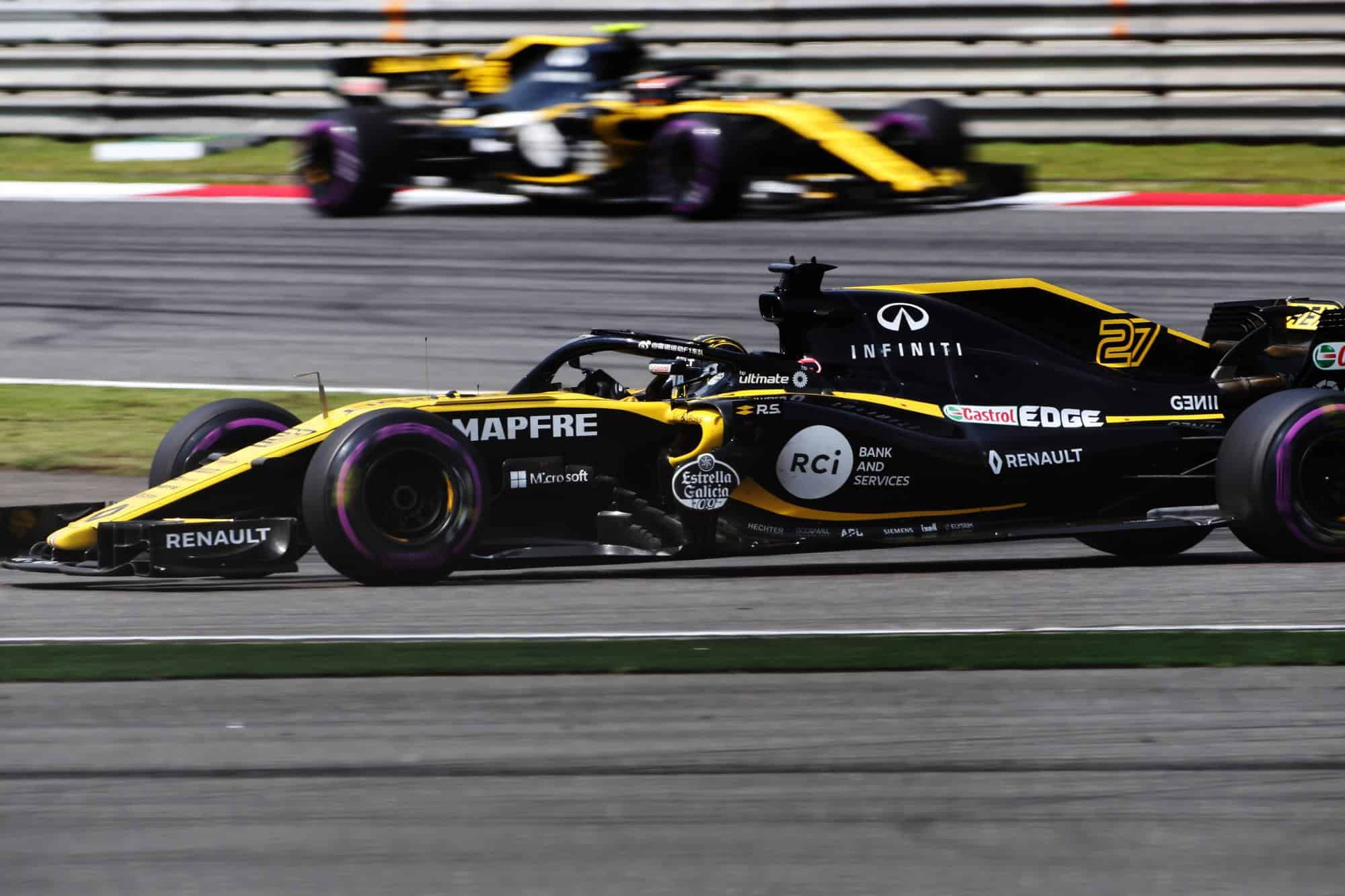 Renault RS18 Chinese GP F1 2018 Hulkenberg leads Sainz