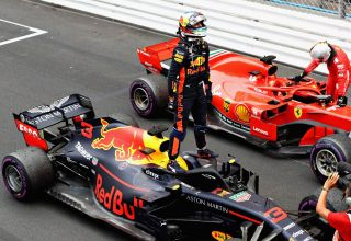 Ricciardo Vettel Monaco GP F1 2018 finish parc ferme Photo Red Bull